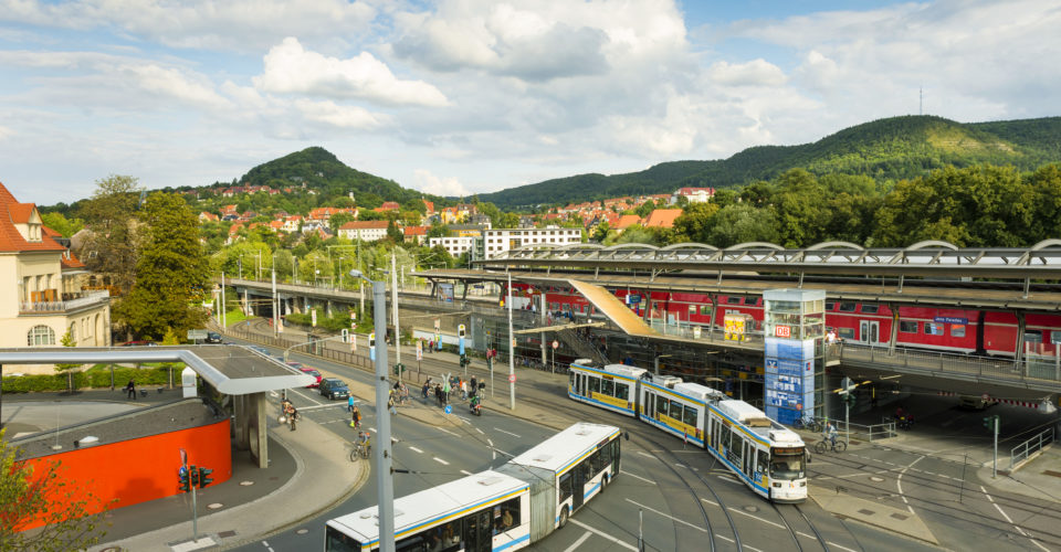 Anreise nach Jena, Bus, Bahn, Tram
