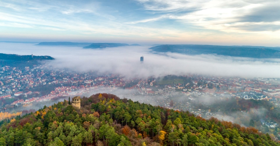 Jena_Bismarckturm von oben_Herbst_JenaKultur_RomanMoebius_web