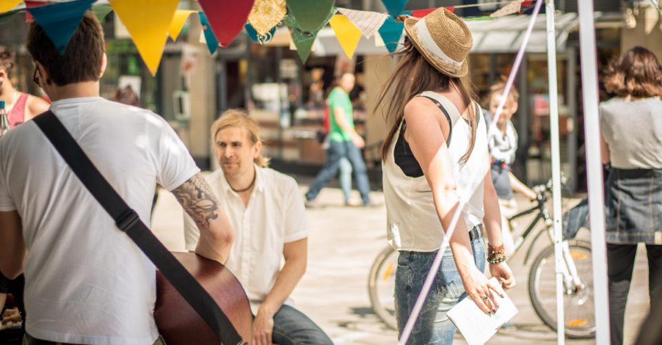Fête de la musique, Straßenmusik