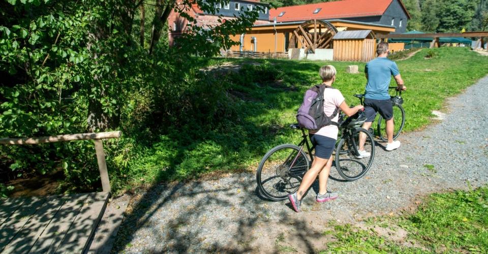 Radfahrer_Staedtekette-Ziegenmuehle-Schleifreisen-1_web